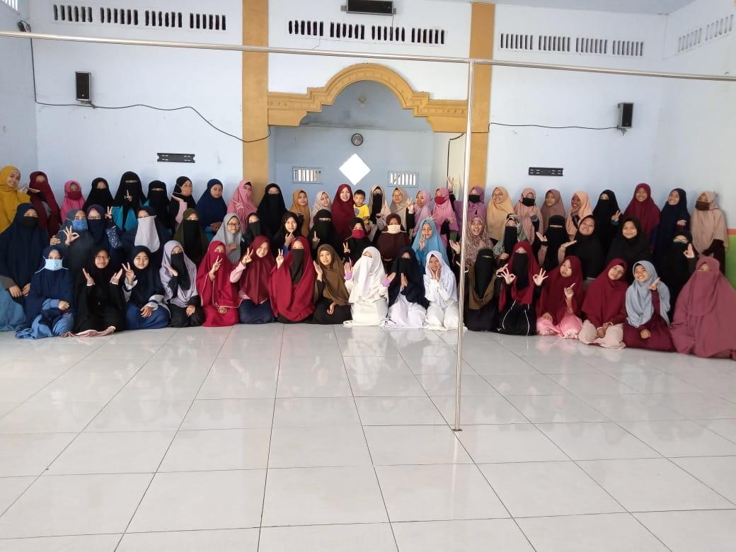 Pondok Tahfidz Putri : Arrasyid School Pare